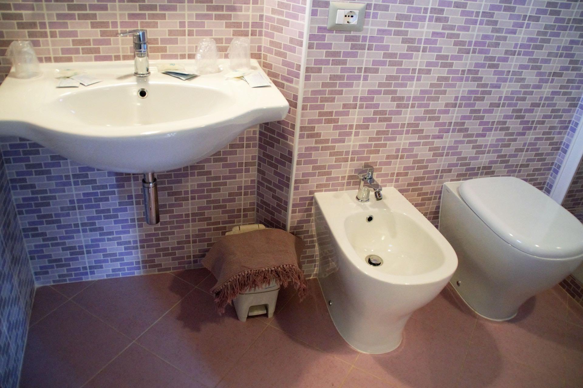 bagno-camera-quadrupla
